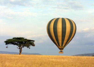Ballooning in the Serengeti on Safari with BJORN AFRIKA ©